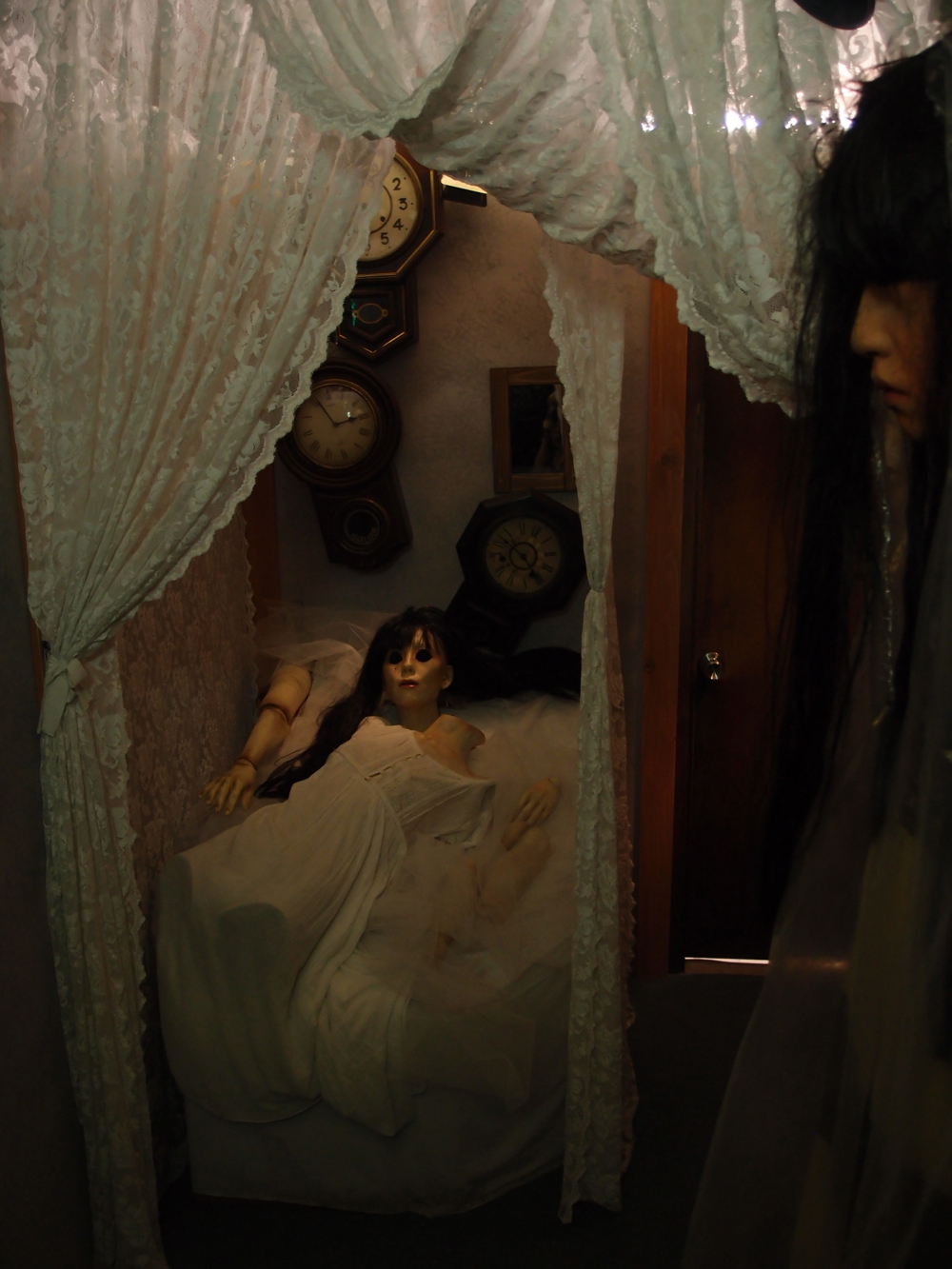丑三つ人形倉庫