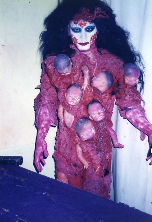 赤ん坊地獄写真